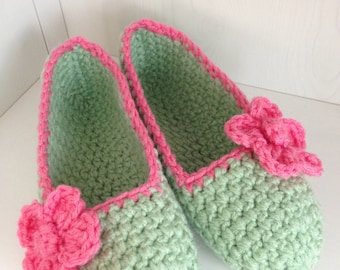 Super Chunky, Simply slippers , Crochet Adult Slippers , crochet flower slippers, house shoes