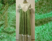 Vintage 70s Green Hawaiian MuuMuu 3XL Maxi Dress - Plus Size Lounge Wear Sleeveless by Napili
