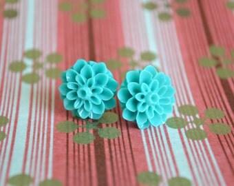 Sea Green Chrysanthemum Earrings