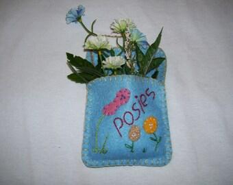 Flower Pocket in Felt