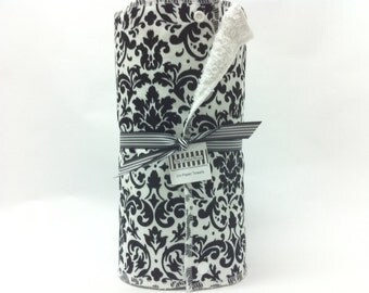 Unpaper towels, reusable paper towels, cloth paper towels, snapping paper towels - Black Damask