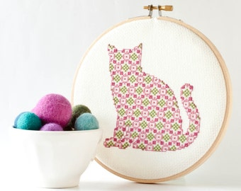 Cross Stitch Pattern PDF - Pretty Kitten in Pink and Green