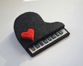 Felt piano brooch with red heart