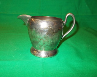 One (1), Silver Plated 8 oz Creamer, from Academy Silver, in the 116 Pattern.