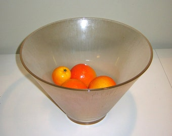 Vintage Large Ribbed Fruit Bowl. Clear Glass. Circa 1940s - 1950s