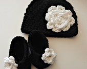 New Baby Gift  black and white hat and booties with rose