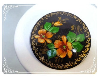 Russian Flower Brooch - Vintage Round Handpainted Wood Design - Signed T.H. 932 - 1785a-121012000