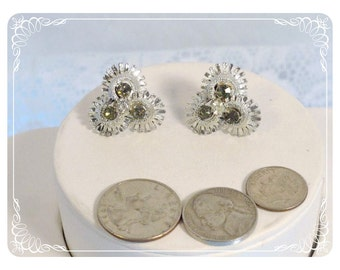 Vintage Signed Coro Screwback Earrings - Silvertone Cluster of Flowers  E1265a-080712000