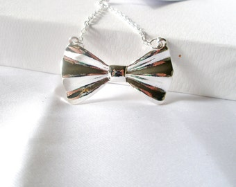 Romantic Bow   necklace