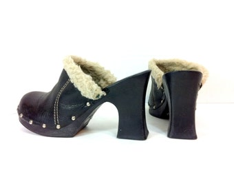 REDUCED~ Platform Leather Clogs 8 / Black High Heel Hippie Clogs 8