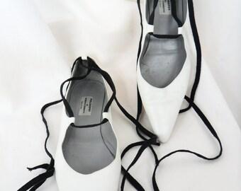 90s Philosophy Di Alberta Ferretti white shoe ballet skimmer flat /pointy toe/grosgrain ribbon ankle laces: IT 37.5/ US7.5