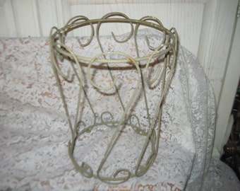 Metal Trash Can Cover  :) SUse Coupon Code CLEARINGOUT25 .Must Be used at check out can not change after paying for item...
