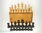 Very Nice Vintage Wooden Chess Set in Original Box