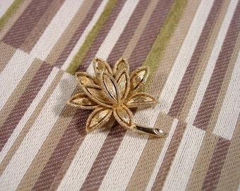 Avon Precious Pretenders gold washed pin vintage 1971