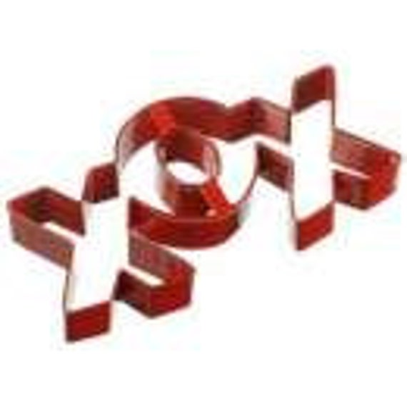 Wilton XOX Valentines Cookie Cutter String Along Set
