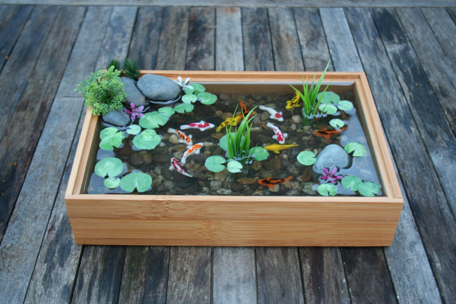 Miniature koi pond in resin with wall hangers for Resin koi fish