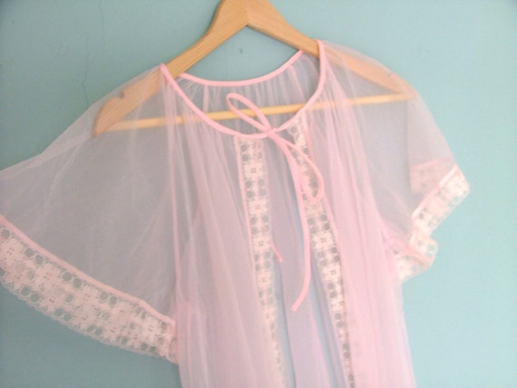 Sheer Vintage 60s Negligee Robe Night Dress in Pink Pin Up