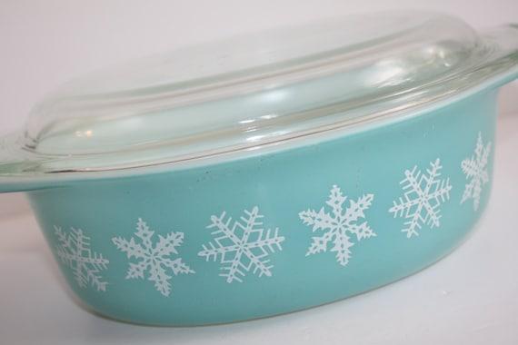 Vintage Pyrex Snowflake Blue Oval Casserole By