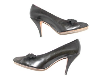 Vintage Twee Heels by Phyllis Poland. Black Leather Suede Pumps. 80s Mad Men Fashion Size 8B Cocktail party. Tapered heels Mother's day gift