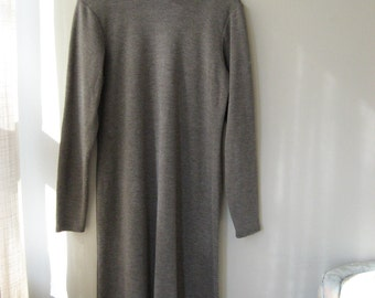 50 % OFF Lovely Linda Lundstrom Minimalist Sweater Dress