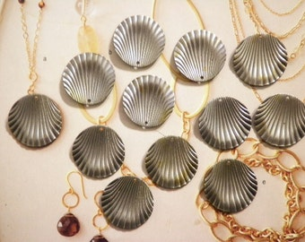 12 Vintage 15mm Steel Alloy Shell Findings
