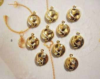 10 Vintage Goldplated 13mm Round Pendants with Rhinestone