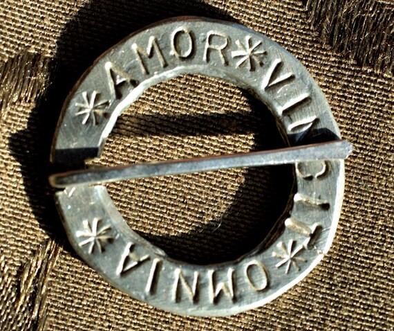 Circular Annular Brooch with Amor Vincit Omnia