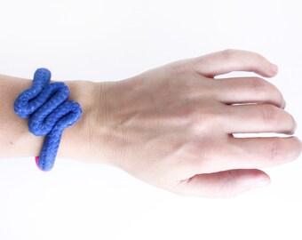 Zig Zag - Neon bracelet in blue and pink