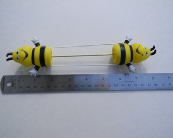Bumble bee Double Pointed Needle Holder