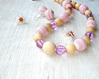 Nursing necklace Teething necklace Pink Light pink Necklace for new mommy Crochet necklace Toddler Girls Jewelry