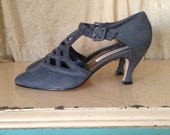 90s faux Edwardian / Victorian Heels - French Blue / Grey Suede Shoes - Size 9 to 10