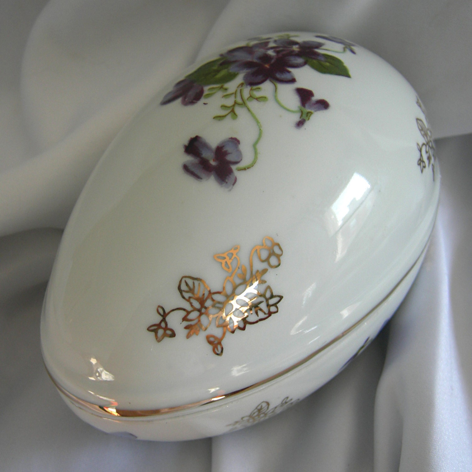 Hand Painted Porcelain Egg Shaped Trinket Or Candy Box With
