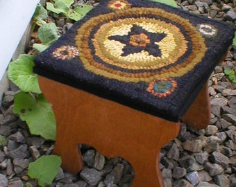 PrimiTive Folkart Mini Game Board Hooked Rug Pattern for Small Bench Pillow Wall Hanging