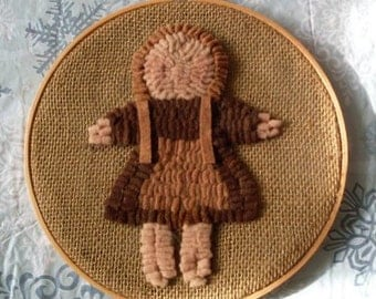 PrimiTive Folkart Church Doll Hooked Rug Hoop Wallhanging  Beaconhillcollectibles