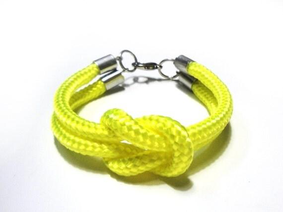 Climb rope bracelet in neon yellow
