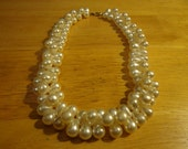 Vintage offset pear-shaped pearl bead necklace