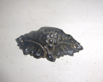 Early Victorian Tiny Cast Iron Grape and Leaf Fancy Bin Pull - Single