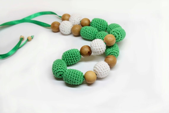 Green-White Crochet Necklace  - Nursing necklace for Mother and child - Teething necklace with crochet beads - Nursing Breastfeeding