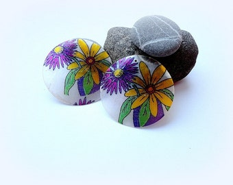 Shell Beads, 50 mm Large Shell Disc, Flower Shell Disc, painted,round beads, supplies, 2 pcs.