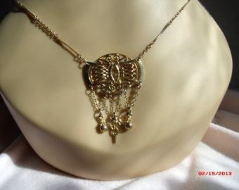 Necklace antique look gold colored