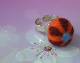 A Simply Felted Floral Felt Balls Ring/ Pin Cushion (Orange)