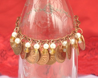 Upcycled, Repurposed, Canadian Pennies Bracelet 1970s and 1980s, 10 coins bracelet, 9 Pearls and Beads, OOAK, Copper Bracelet