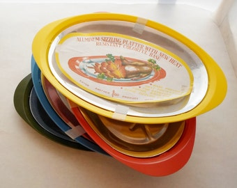 Vintage Set of Four New Unused Nasco Plastic and Aluminum Sizzling Platters Made in Japan, Yellow, Red, Blue, Green, Mid Century Modern