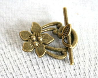 2 Antique Bronze Flower and Leaf Toggle Clasp