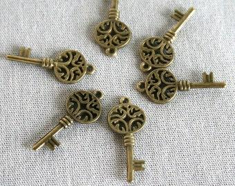 6 Antique Brass Key Charms/Pendants  - CB - 0029