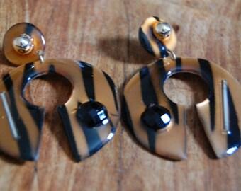 Vintage RUNWAY 80's Swirl Designed Earrings