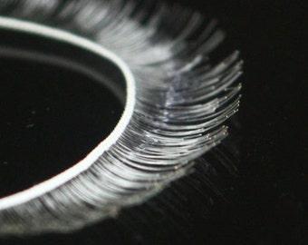 G-059  / Doll's Eyelash / 8 mm X 200 mm / White