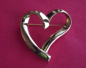 Vintage Trifari Valentine Gold Plated Open Heart Brooch
