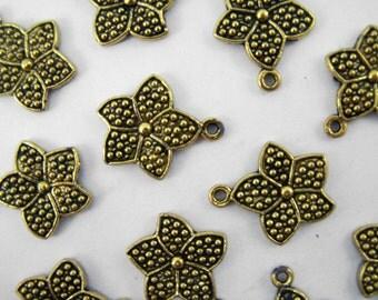 25 Gold Flower Pendants - Antique Gold Finish