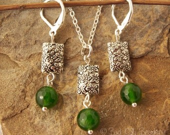 Emerald Green Pendant Necklace and Drop Earrings Jewelry Set